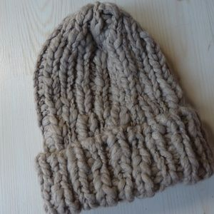 99768cc39ba American Eagle Outfitters Accessories - New American Eagle Chunky Cable  Knit Beanie Hat